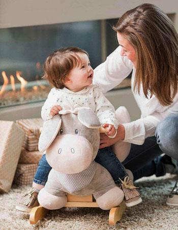 Caballito balancin para bebe en forma de adorable peluche